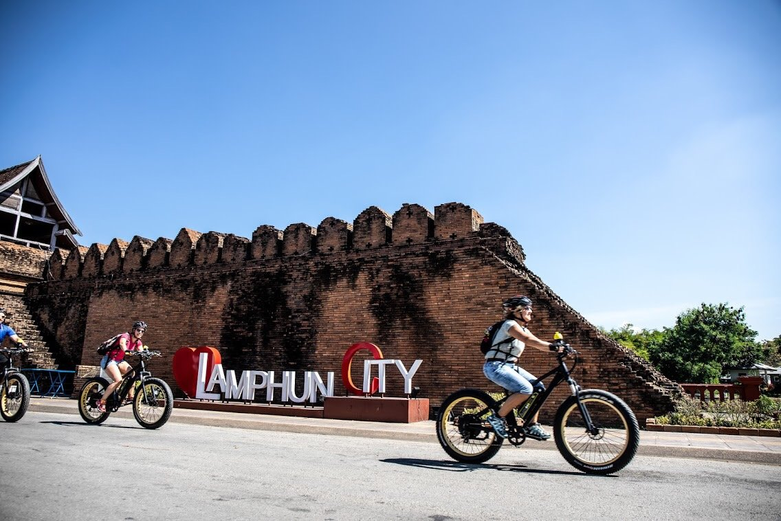 arriving in Lamphun | Buzzy Bee Bike, Chiang Mai, Thailand