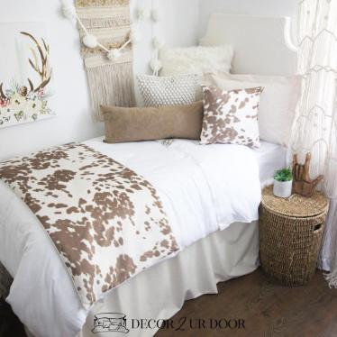 Dorm room bedding and cushions for DIY dorm room tips and tricks to personalize your bedroom at college