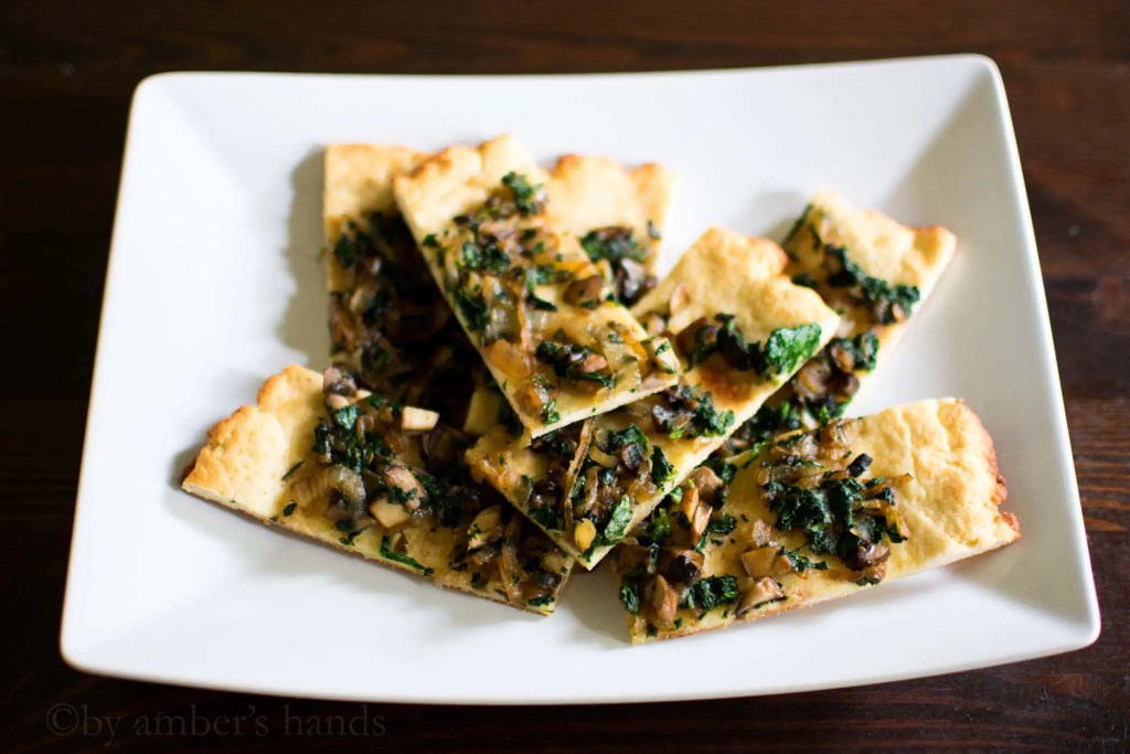 Low Carb Onion, Mushroom, and Spinach Flatbread -keto cake walk-
