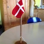 trædrejning woodturning flagstang træ hæklet flag fødselsdag