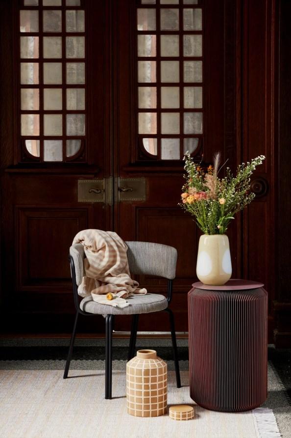 Use flexible space saving furniture