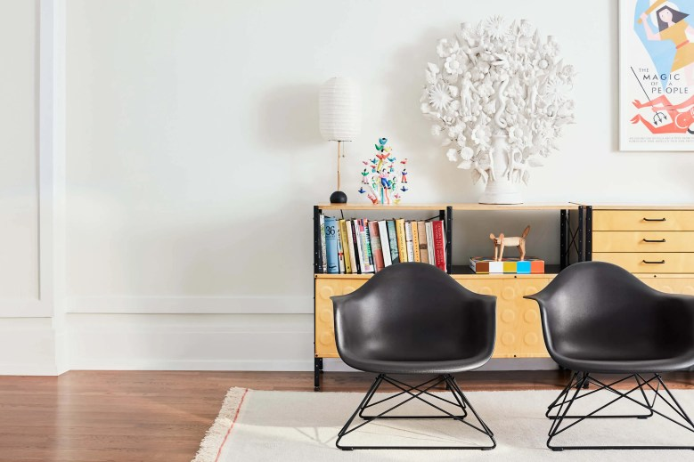 Eames Moulded Plastic Chair