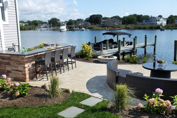 landscaping waterfront