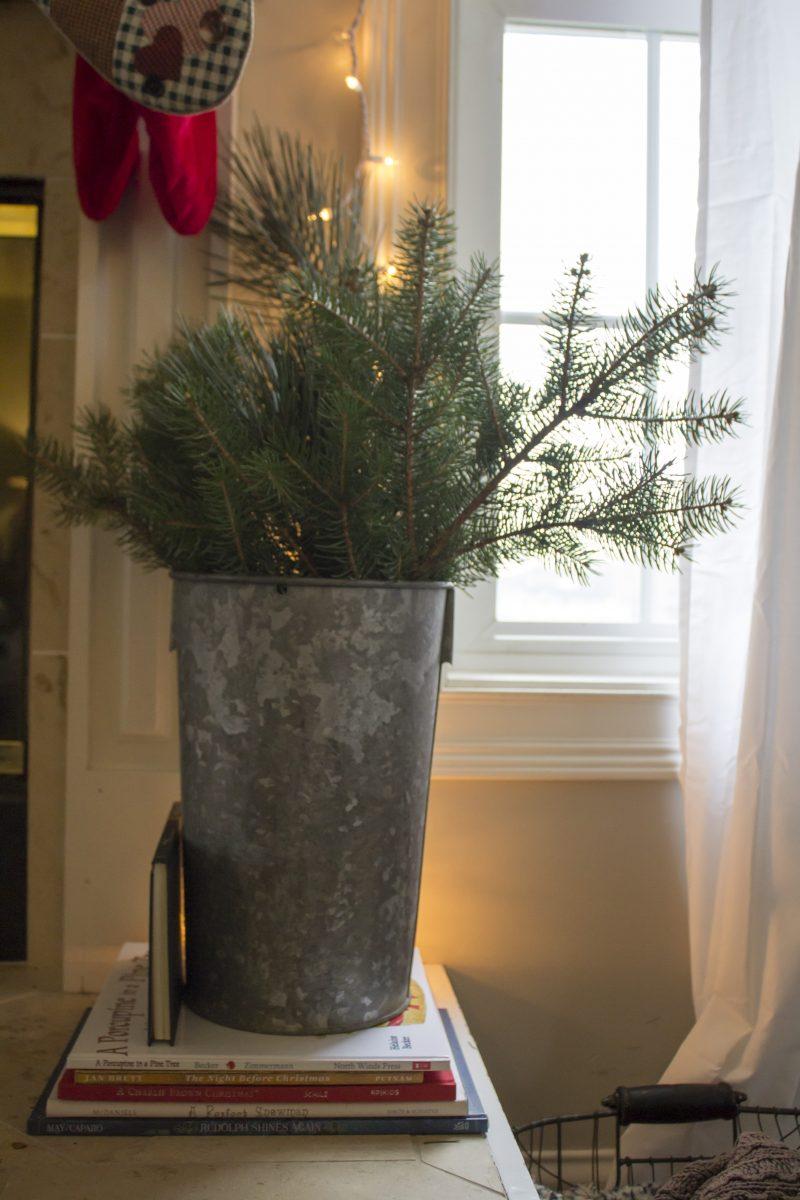 christmas-bucket