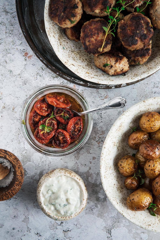 tomater, ovntørrede, langtidsbagte, salater, aftensmad