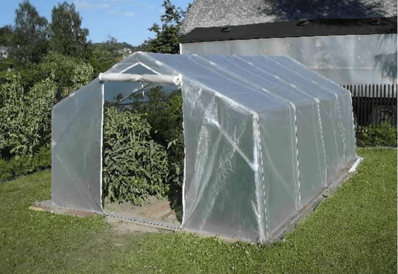 Moderní fóliovníky a pařeniště skvěle nahradí klasické skleníky