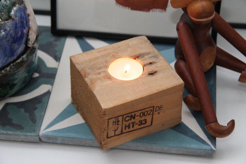 DIY fyrfadslysestage af klods fra europalle kreativt projekt i træ