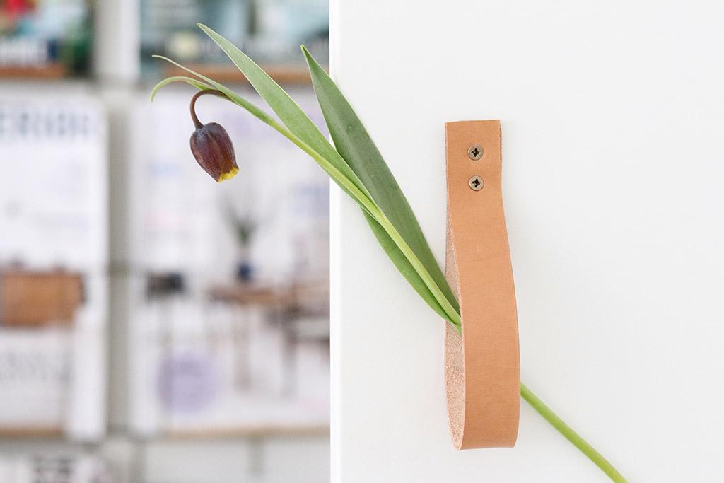DIY håndtag til skab - lav dine egne lækre greb af læder (IKEA hack)