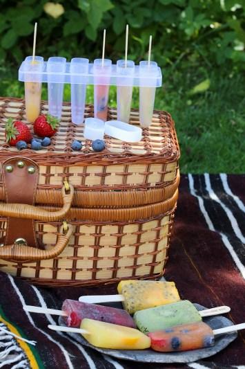 Hjemmelavede ispinde med frugter uden laktose - den perfekte picnic idé
