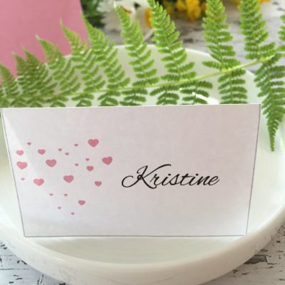 Pink heart bordkort - denne sorte skriften, følger med, og kan redigeres.