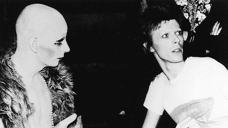 El tutor de Bowie, Lindsay kempt y su pupilo.