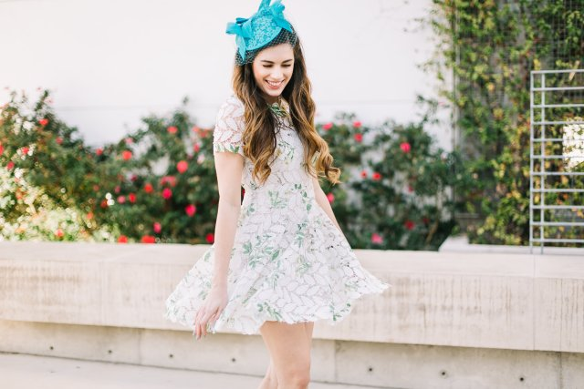 how-to-celebrate-the- kentucky derby | derby style | fascinator from nordstrom and dress from Chicwish | By, Hilary Rose Southern Blogger