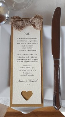 Kraft & hessian place card & menu