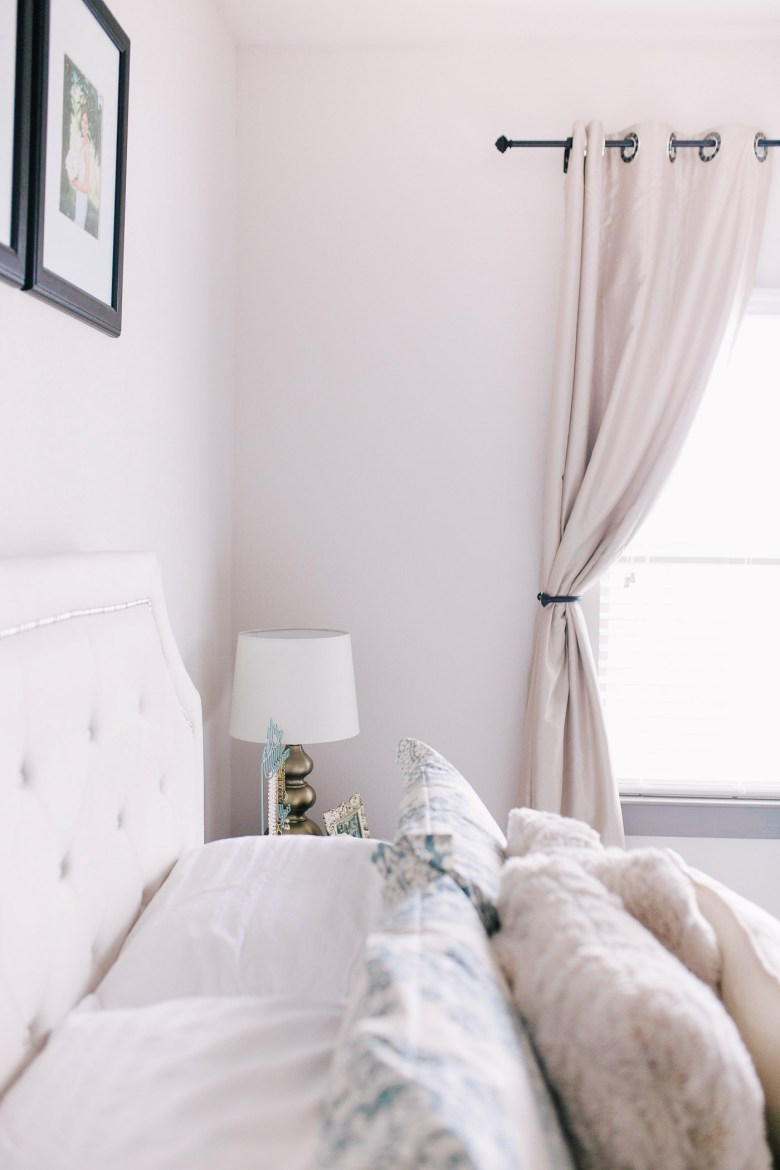 An apartment tour from Lauren Cermak of the Southern lifestyle blog Going For Grace.