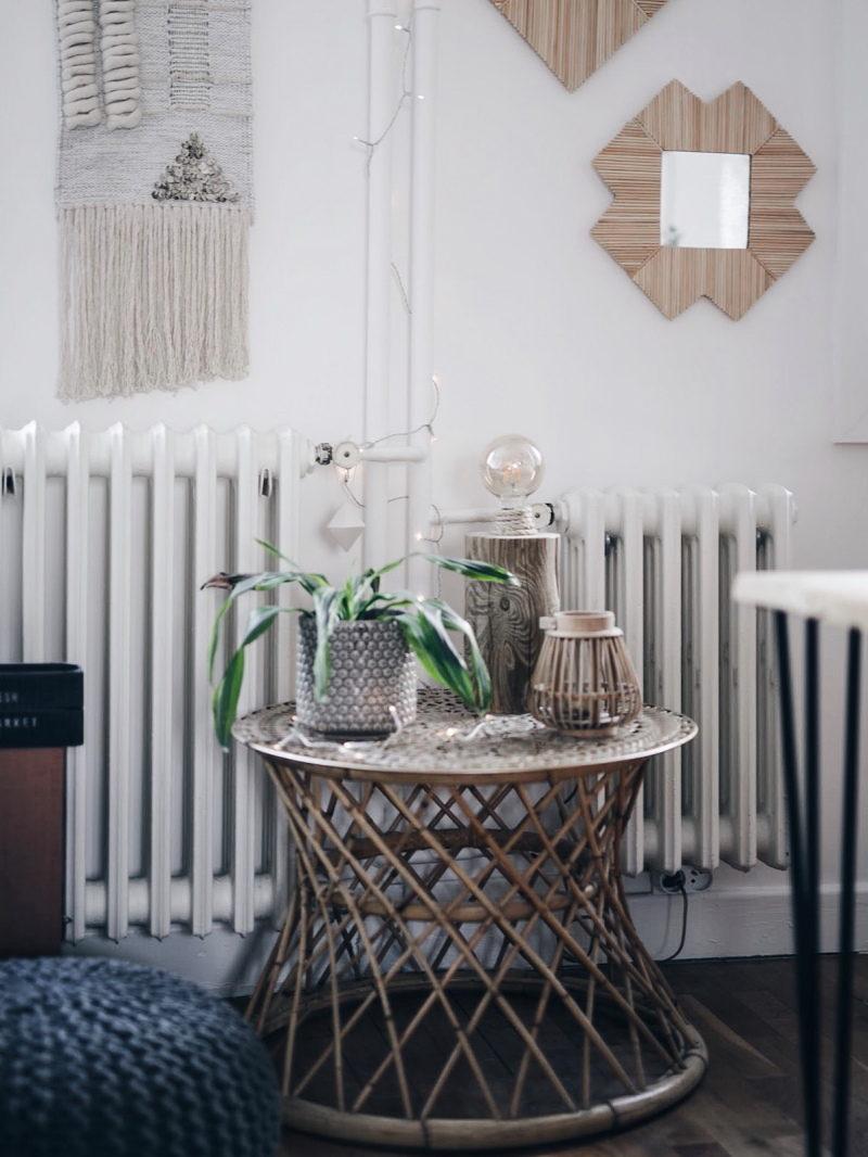 Décoration salon salle à manger table DIY bois brut pieds métal pied rotin vintage