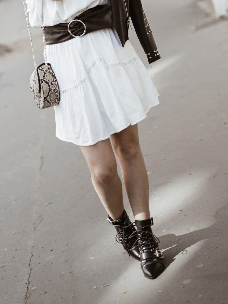 Look femme rock printemps robe blanche ceinture large blog mode Lyon France By Opaline