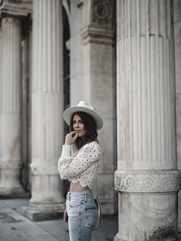 Inspiration look femme été 2019 top dentelle chapeau Lack of Color blog mode Lyon France By Opaline