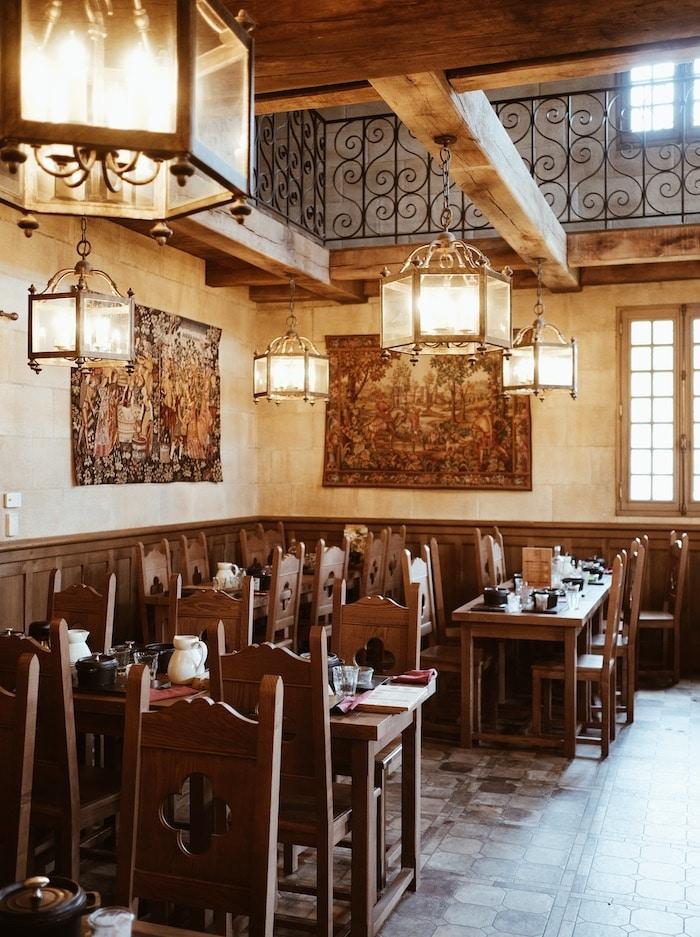 Restaurant la mijoterie du roi Henry Puy du Fou blog voyage By Opaline Lyon France