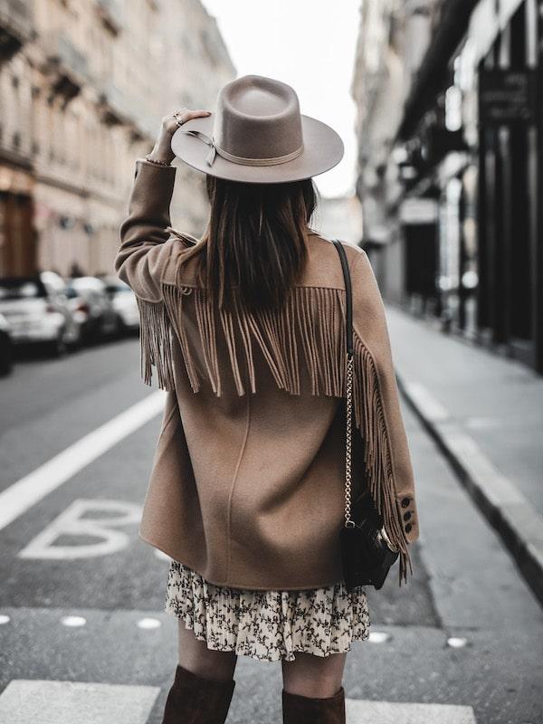 Inspiration mode look femme 2020 fashion veste franges The Kooples sac Chloé C bag