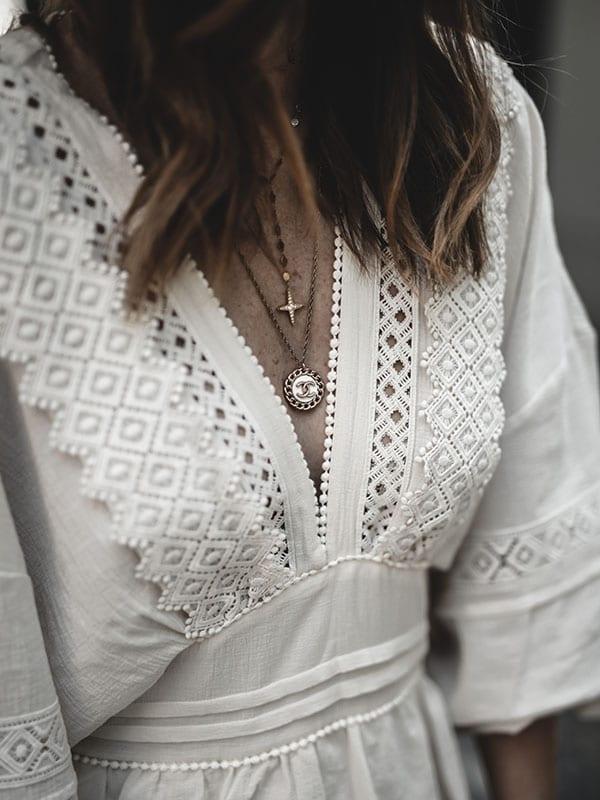 Inspiration mode look femme bohème 2020 fashion collier Chanel robe crochet