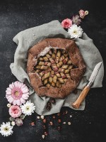Recette vegan tarte rustique rhubarbe noisette