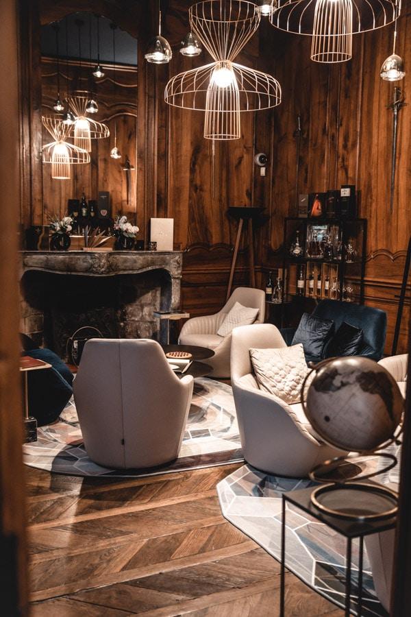 Un séjour ou un week-end au Château de Chapeau Cornu vers Lyon - Le Brandy bar