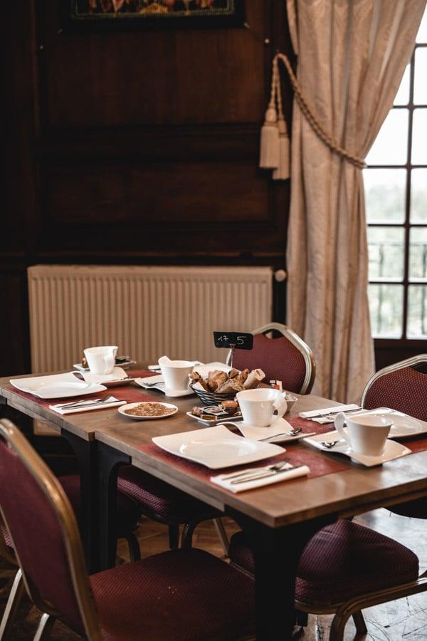 Un séjour ou un week-end au Château de Chapeau Cornu vers Lyon - La salle du petit déjeuner