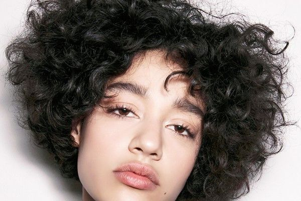 9 Easy On The Go Hairstyles For Naturally Curly Hair