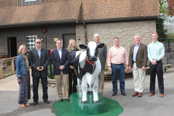 Byrne Dairy sponsors 'Real Milking Cow' exhibit, Dairy Days at Rosamond Gifford Zoo