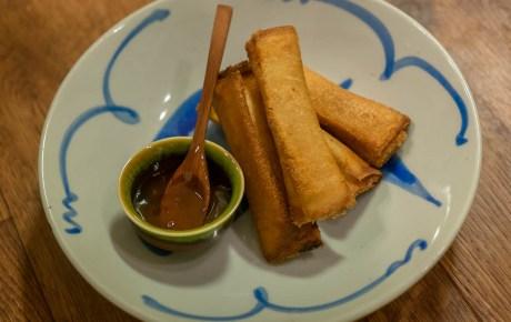 Zo maak je de gruwelijk lekkere shrimp toast rolls van David Chang