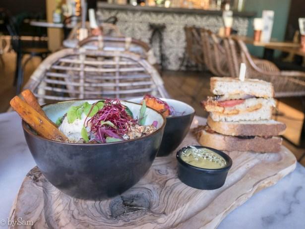 Mr & Mrs Watson vegan restaurant Amsterdam