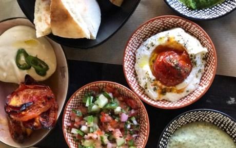 BEN COHEN Streetfood de nieuwe Tel Aviv streetfoodtent van de zoons van shoarmakoning van Amsterdam