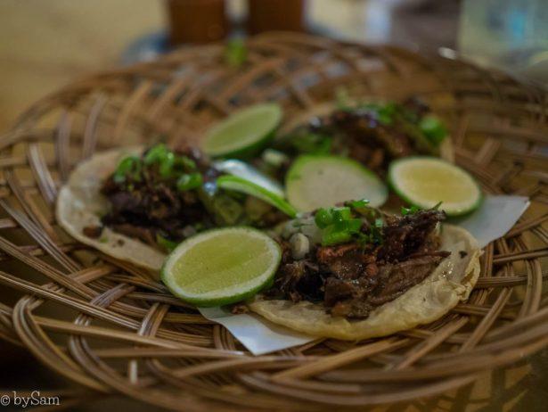 Mexicaans restaurant tacos barbacoa met krekels