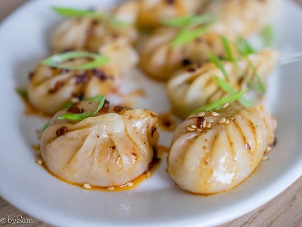 zelfgemaakte kimchi dumplings