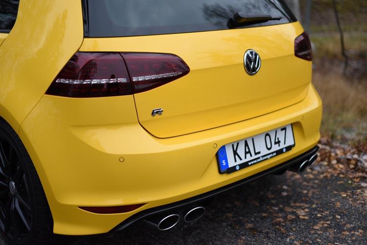 Volkswagen Golf R 2015 (20)750
