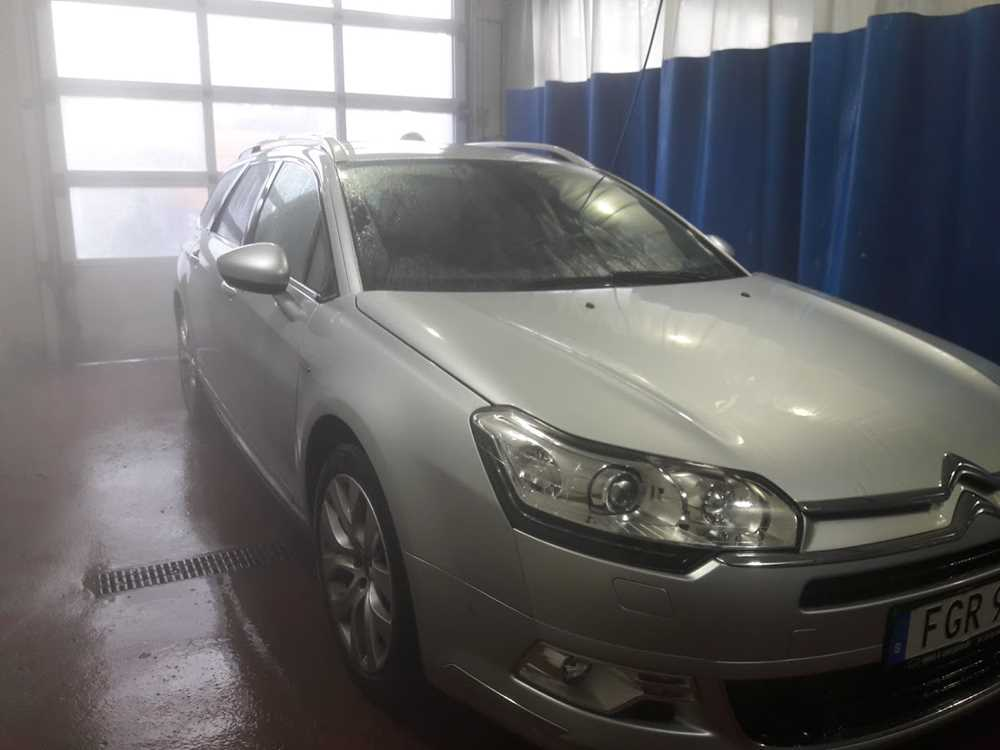 Test OKQ8 GDS biltvätt med RW bilvårdsprodukter