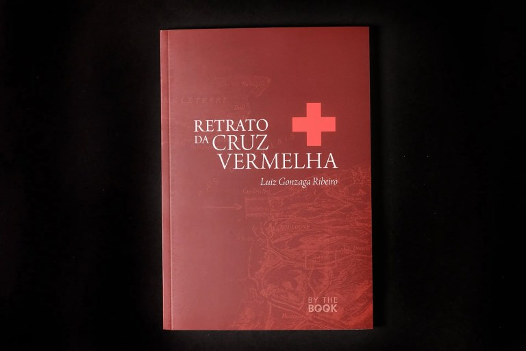 capa retrato cruz vermelha