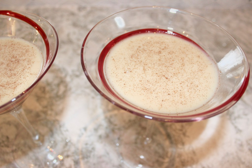Christmas Martini 2017: Almond Nog Vodka Martinis (Vegan)