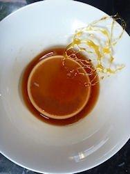 Creme caramel with sugar string