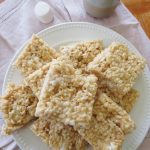 Close up on finished rice krispie treats