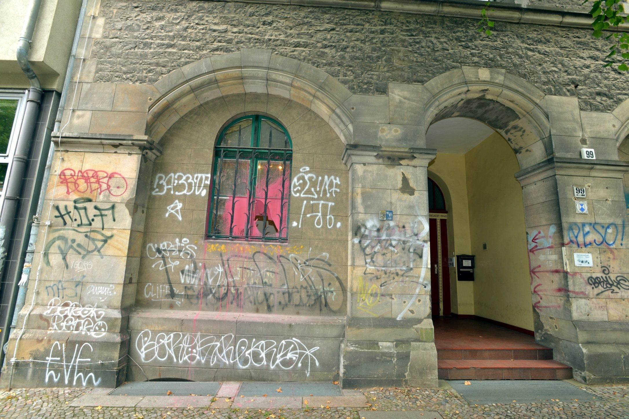 Herz Jesu-Kirche in der Fehrbelliner Straße 99: Anschlag auf Abtreibungsgegner