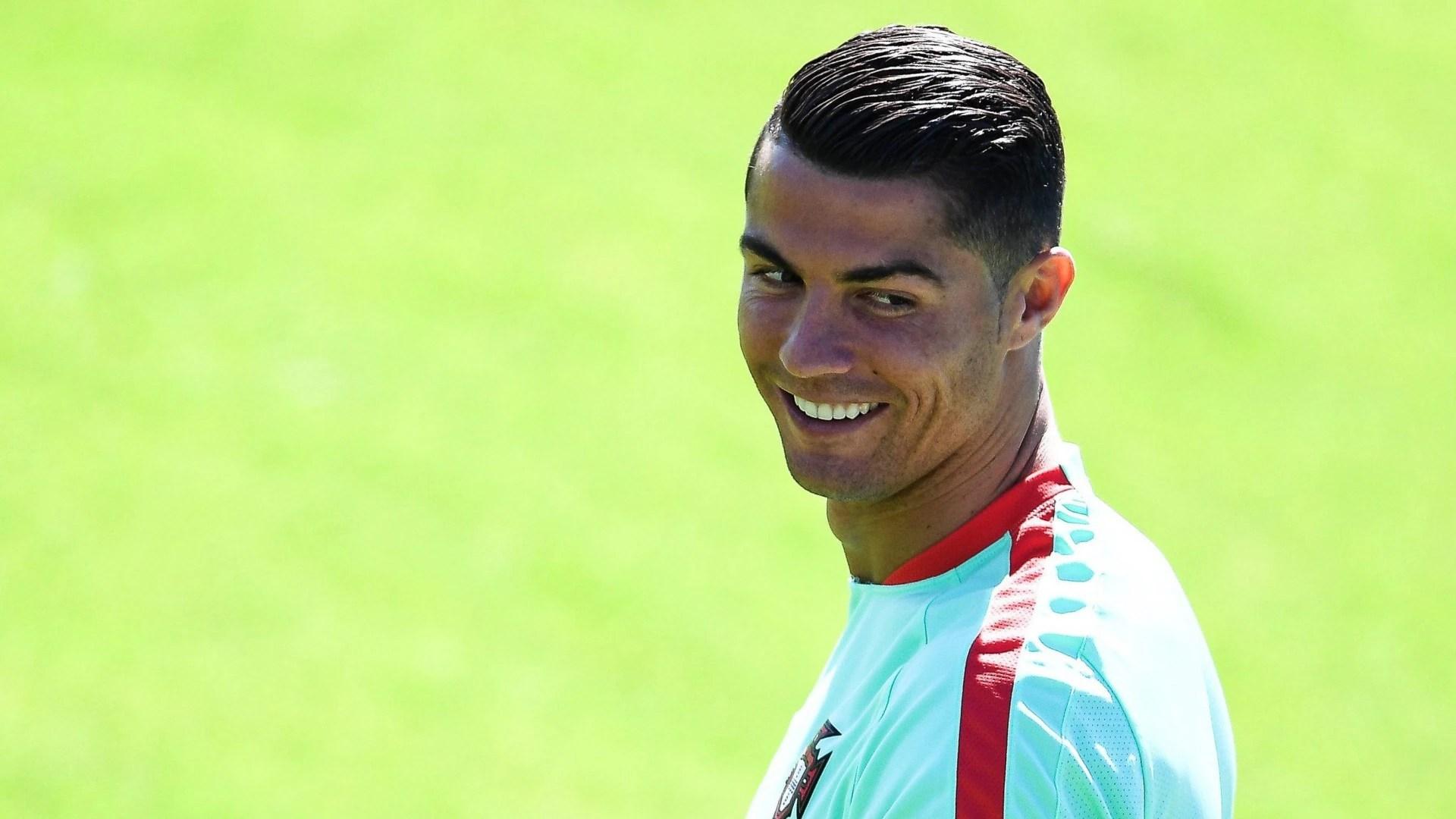 Streitfall Ronaldo! Warum Der Superstar So Polarisiert – B Z Berlin