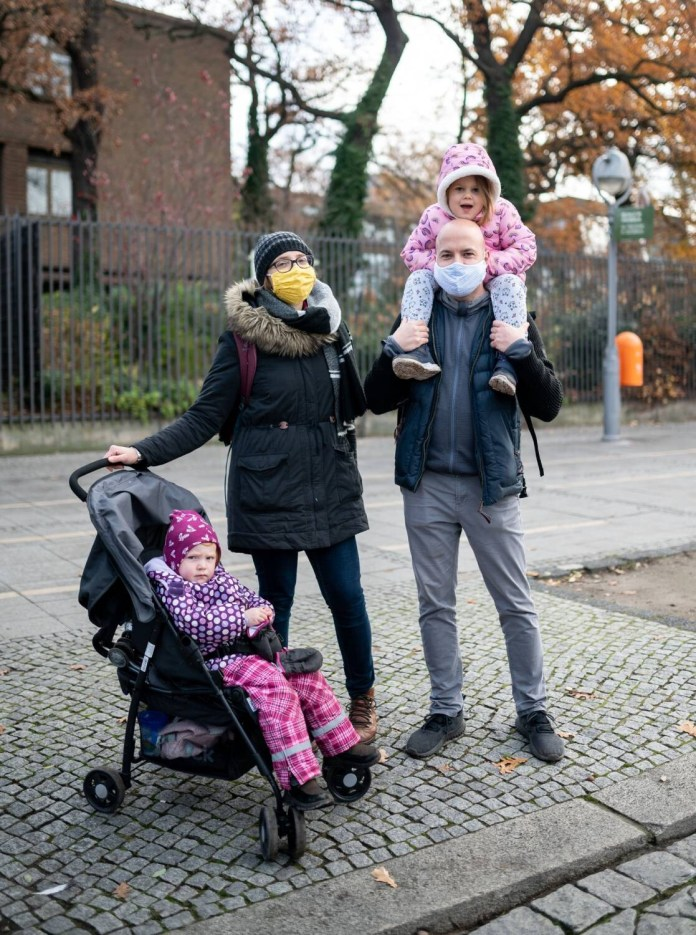 Patchwork family: Marion Hannan (30), Mathilda (2), Sascha Seegert (38) and daughter Matilda (3) (Photo: Olaf Selchow)
