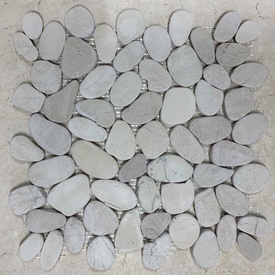 mosaique galet scie marbre gris clair