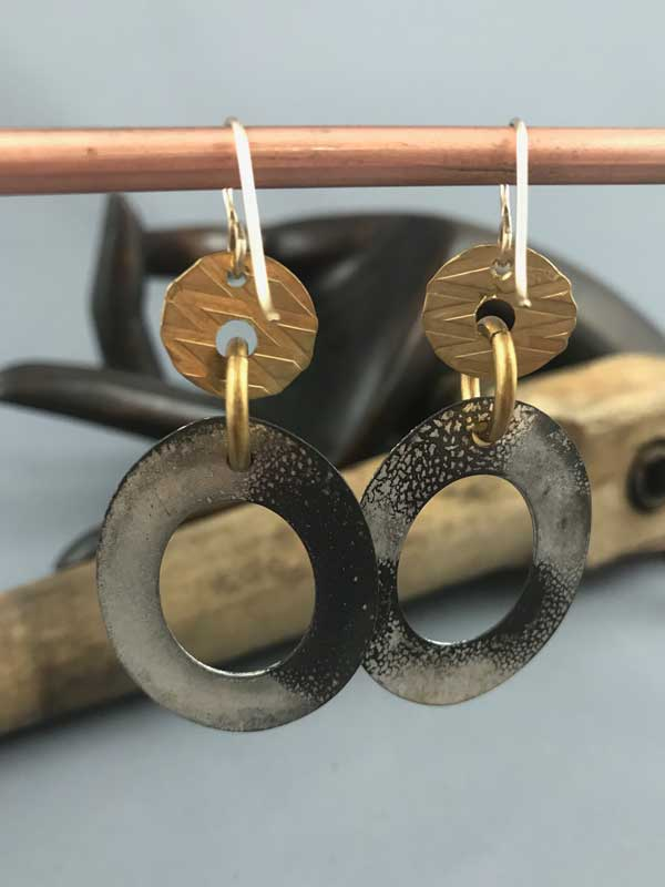 oval hoops - gold - back