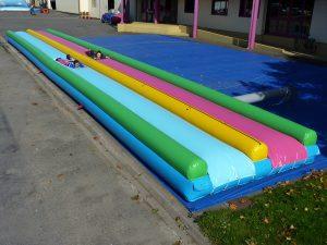 longue glisse aquatique sur bache de 20m