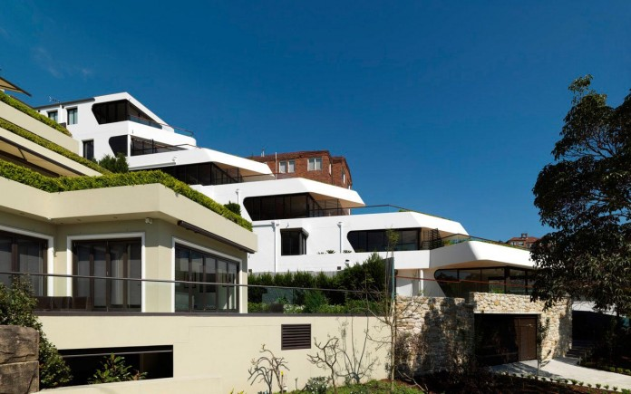 Benelong-Crescent-Apartments-by-Luigi-Rosselli-Architects-01
