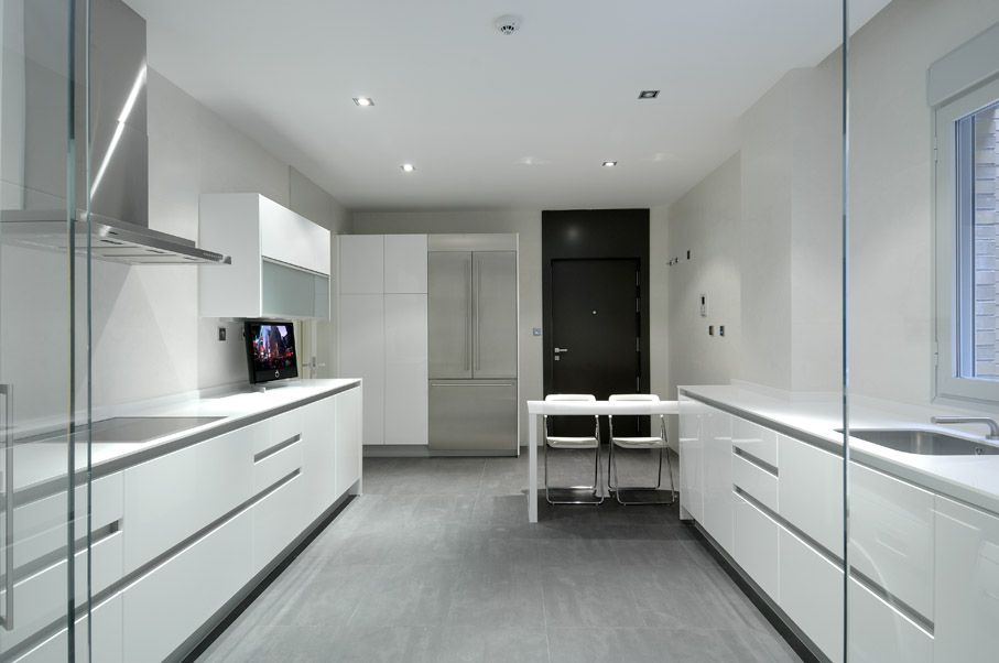 Modern Serrano Apartments by Acero  CAANdesign