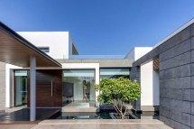 Modern Center Court Villa In Delhi Dada Partners