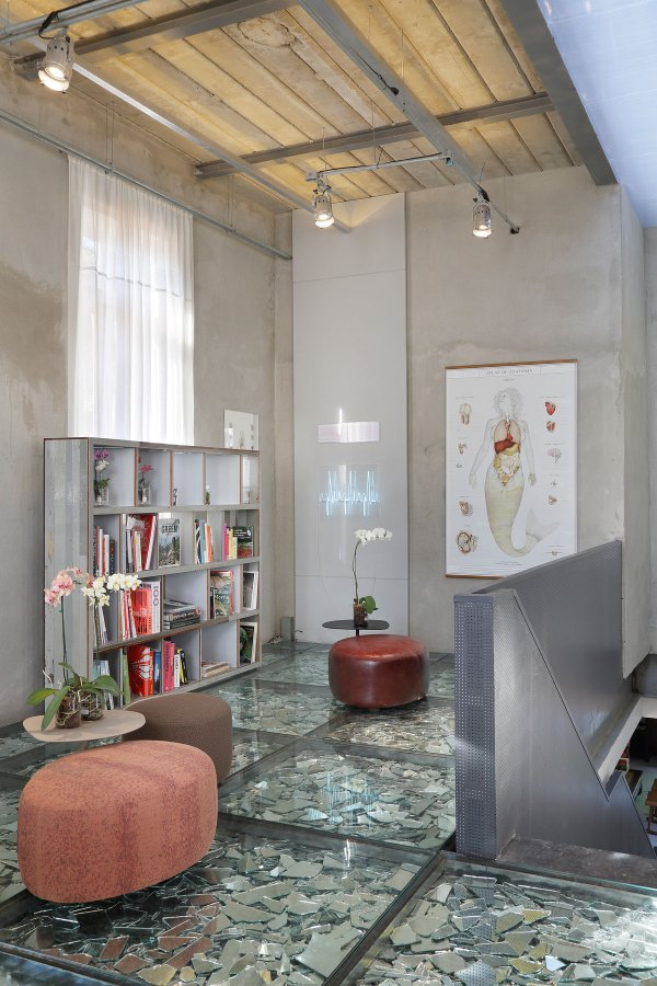 Stylish And Eclectic Design With Broken Glass Floor Of Lab